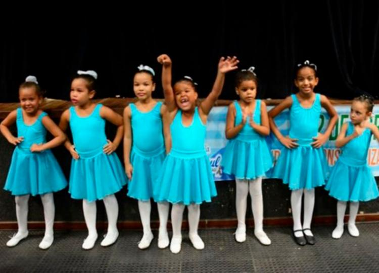 Grupo de balé com meninas autistas de Feira participam do concurso em Salvador - Foto: Divulgação   Secom Feira