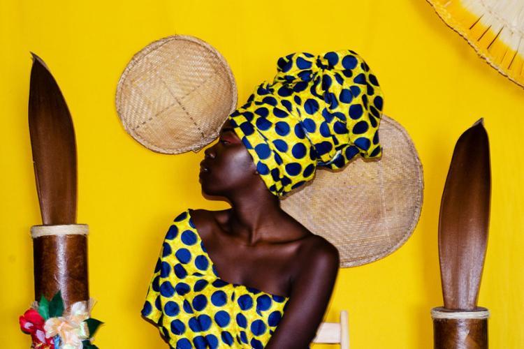 Lei proibia mulheres negras - livres e escravizadas - de usar os cabelos crespos soltos - Foto: Reprodução | Matheus Lens