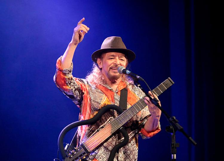 Show leva ao público os grandes sucessos do cantor e suas músicas inéditas - Foto: Reinaldo Lima   Divulgação