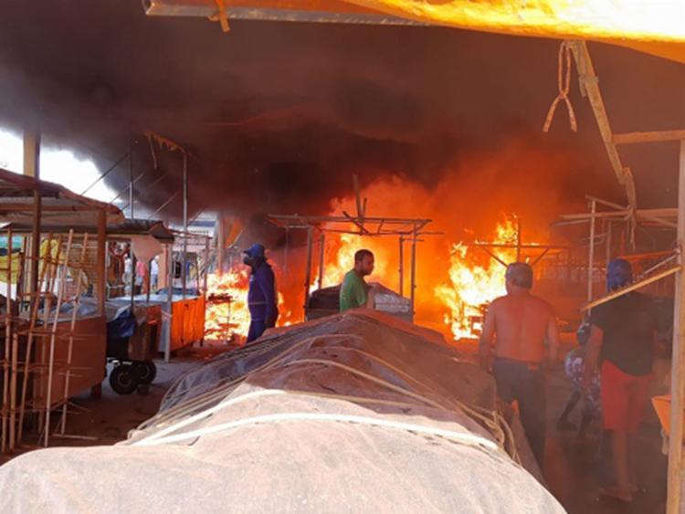 Cerca de 30 pequenos comerciantes atuavam no galpão - Foto: Reprodução | Giro Ipiaú