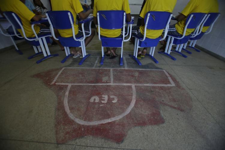 Jovens foram aprovados na primeira etapa da 15ª Olimpíada Brasileira de Matemática das Escolas Públicas - Foto: Raphael Muller l Ag. A TARDE
