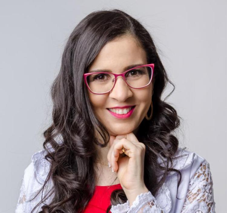 Dra. Manoela Oliveira de Souza é Médica do Trabalho, com pós graduação em Envelhecimento Saudável. Ajuda pessoas a prevenir doenças através do emagrecimento e estilo de vida saudável, sem radicalismos