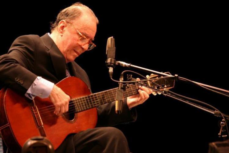 O cantor e compositor baiano era considerado um dos pais da bossa nova - Foto: Divulgação