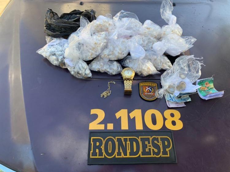 Material apreendido por policiais militares com o menor - Foto: Divulgação | SSP