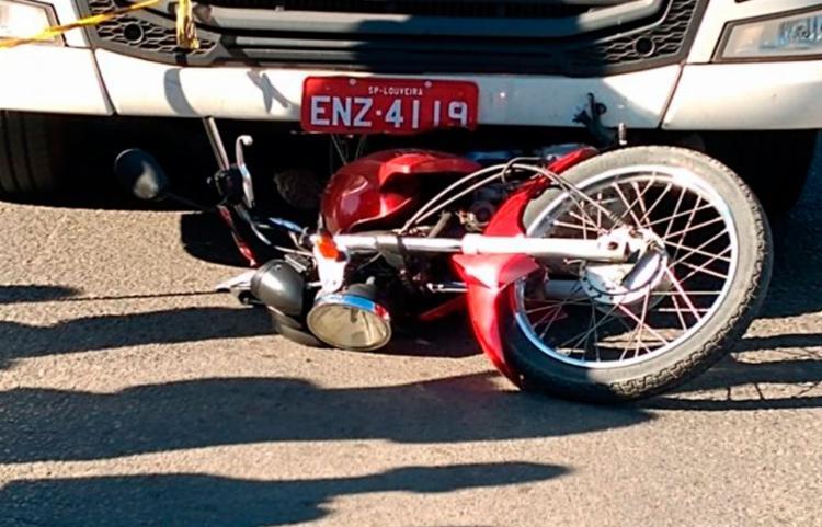 O acidente aconteceu na avenida Eduardo Froés da Mota - Foto: Reprodução | Acorda Cidade