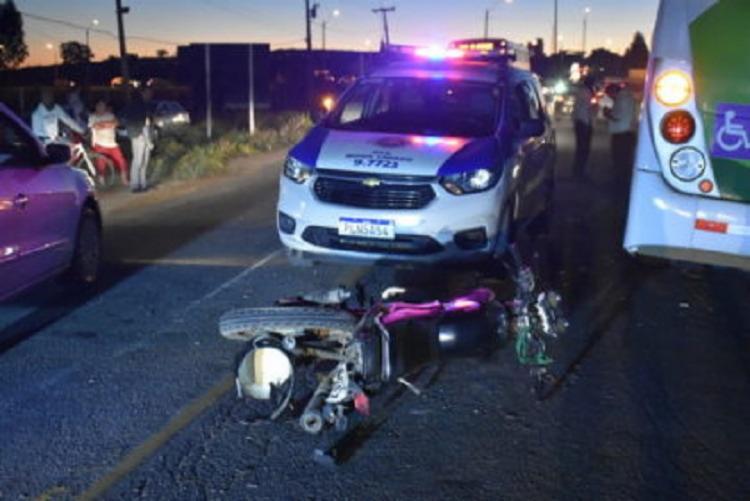 Acidente aconteceu próximo ao anel rodoviário Jadiel Vieira Matos, no trecho de Vitória da Conquista (distante a 509 km de Salvador). - Foto: Reprodução | Blog do Anderson
