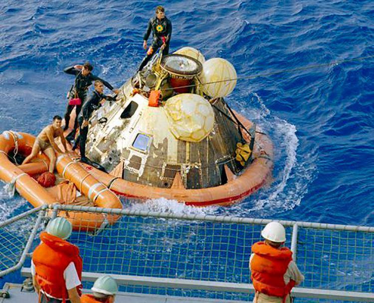 Astronautas aterrissaram no mar após chegada histórica à Lua - Foto: Reprodução | Nasa