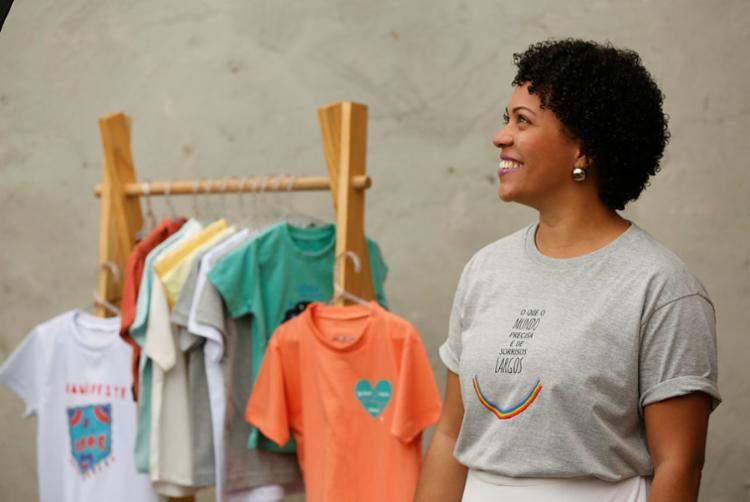 Lívia planeja obter crédito para expandir sua loja de roupa infantil - Foto: Rafael Martins | Ag. A TARDE