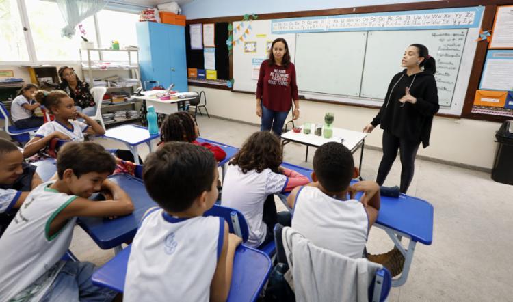 As professoras Kátia e Vânia dão aula em bidocência - Foto: Joá Souza l Ag. A TARDE