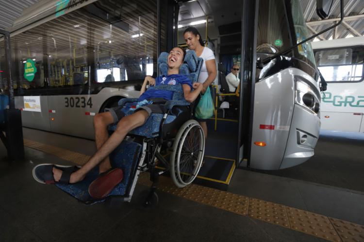 A 1ª fase foi de avaliação mecânica. Agora, com passageiros - Foto: Uendel Galter l Ag. A TARDE