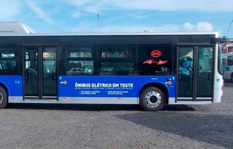 Ônibus tem capacidade para 51 passageiros em pé e 26 sentados - Foto: Reprodução | HackCities