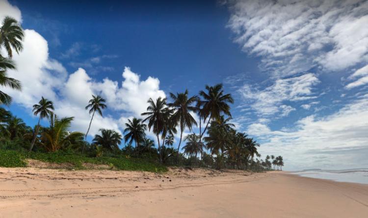 Turista de Brasília caminhava pela praia de Maraú, em Barra Grande, quando foi atacada - Foto: Reprodução | Google Maps