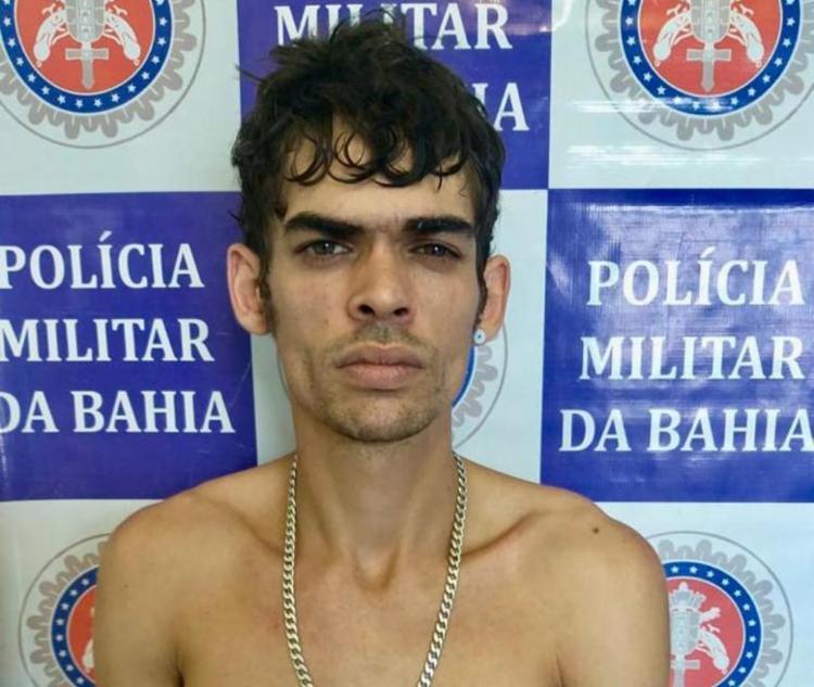 Iago Pereira da Silva, de 27 anos, foi flagrado com drogas, armas e munições - Foto: Divulgação | SSP