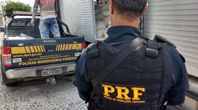 A droga estava sendo trasportada por um caminhão-baú - Foto: Divulgação | PRF-BA