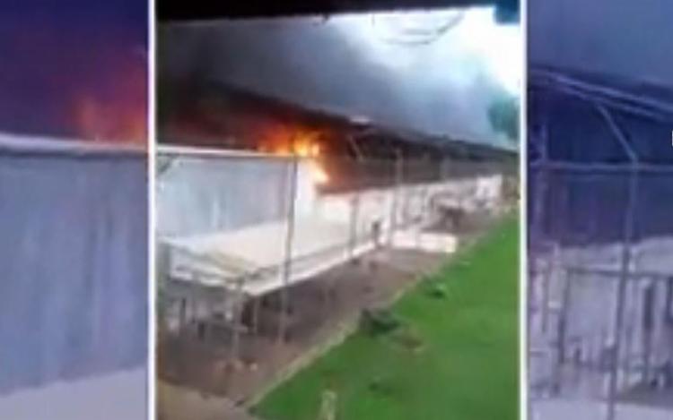 Entre os mortos, 16 foram decapitados e o restante teria morrido por asfixia, devido ao incêndio - Foto: Reprodução l TV Uol