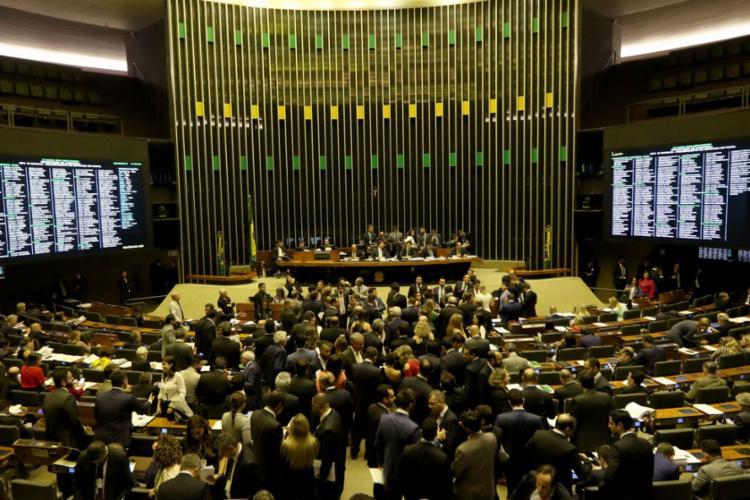 O número de votos contrários aumentou de 97 para 105 - Foto: Wilson Dias | Agência Brasil