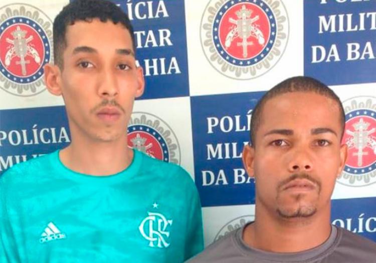Dupla foi localizada com cerca de R$ 2.500 e drogas - Foto: Divulgação | PM-BA