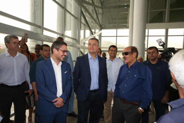 Governador Rui Costa (centro) com o prefeito da cidade de Itabuna, Fernando Gomes (dir) - Foto: Divulgação | SECOM