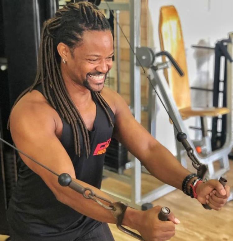 Adilton viu na academia um divisor de águas para sua saúde física e mental - Foto: Reprodução | Arquivo Pessoal