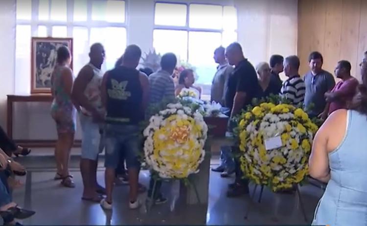O sepultamento aconteceu no cemitério Campo Santo, neste sábado, 27 - Foto: Reprodução l Rede Bahia