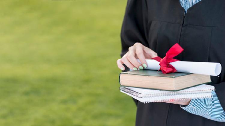 O preso que tem graduação completa em nível superior cumpre pena separado dos presos comuns - Foto: Divulgação | Freepik