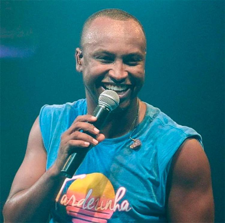 Thiaguinho irá cantar sucesso da sua carreira e hits do anos 90 e 2000 - Foto: Reprodução | Instagram