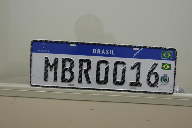 As placas Mercosul já instaladas não precisarão ser substituídas - Foto: Luciano da Matta | Ag. A TARDE