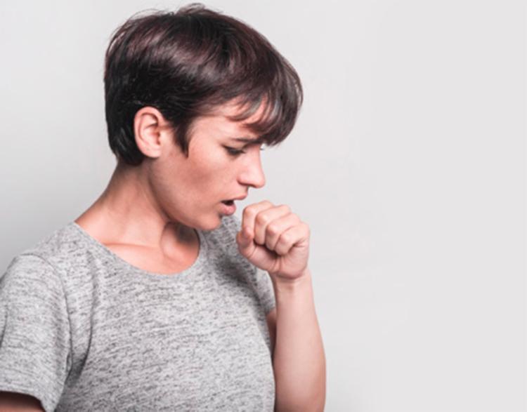 Transmitida por via aérea, a doença afeta principalmente os pulmões - Foto: Ilustrativa | Freepik