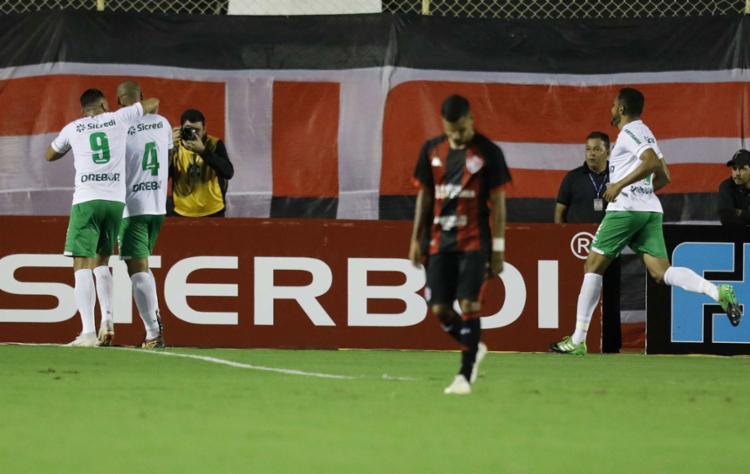 O único gol da partida foi marcado no primeiro tempo. - Foto: Adilton Venegeroles l Ag. A TARDE