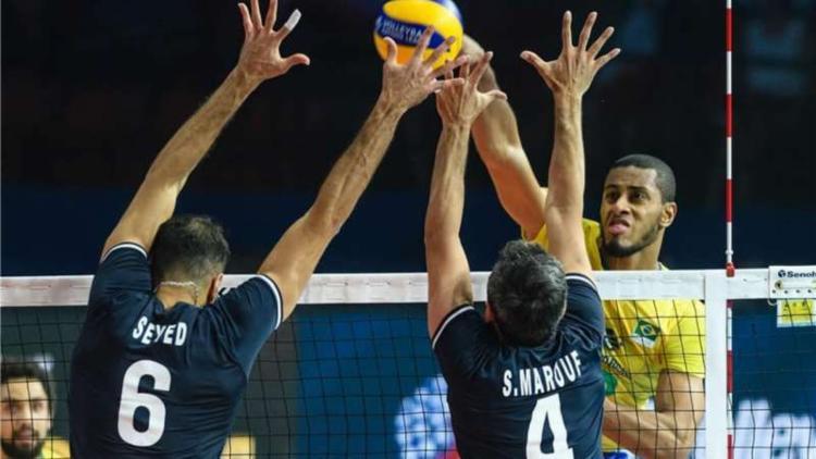 Passando da semifinal, o Brasil disputa o título diante de Polônia ou Rússia - Foto: Divulgação   Fivb