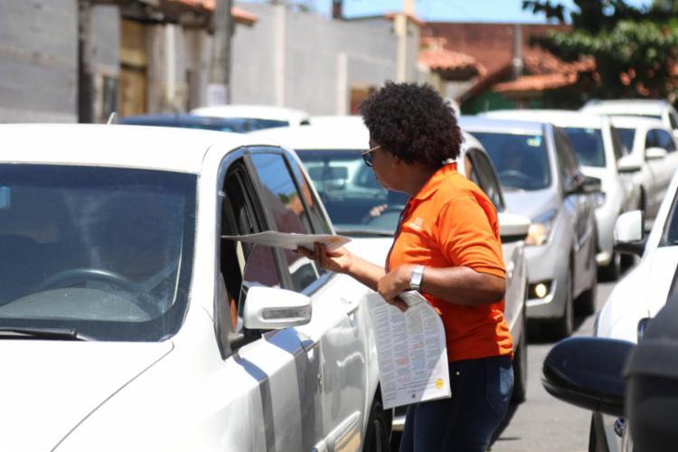 Agentes conscientizam condutores nas unidades escolares - Foto: Transalvador I Divulgação