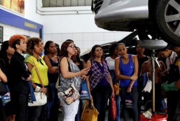 Elas querem saber mais sobre carros | Adilton Venegeroles | Ag. A TARDE