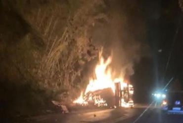 Acidente entre ônibus e caminhão deixa cinco mortos na BR-101 | Reprodução