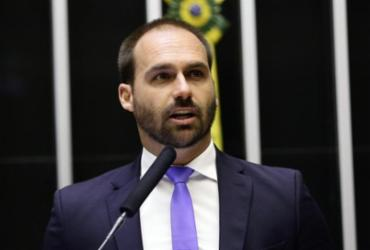 Após Bolsonaro sinalizar recuo, Eduardo diz que indicação está mantida | Michel Jesus | Câmara dos Deputados