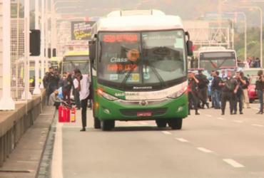 Sequestrador é morto por atiradores e reféns são liberados de ônibus no Rio | Reprodução | TV Globo