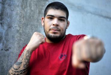 Da obesidade mórbida aos octógonos, a trajetória de Carlos 'Boi' no MMA | Felipe Iruatã | Ag. A TARDE