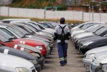 Detran arrecada R$ 2,3 milhões em leilões de veículos | Raul Spinassé | Ag. A TARDE