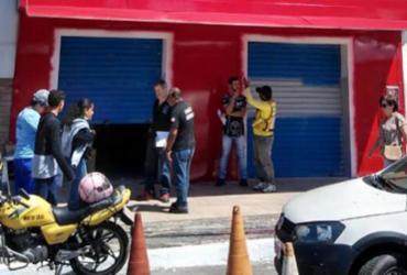 Estabelecimentos são flagrados com 'gato' de água em Itapuã | Divulgação | Embasa