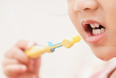Pesquisa aponta erosão dentária em 50% de crianças de três e quatro anos | Ilustrativa | Freepik