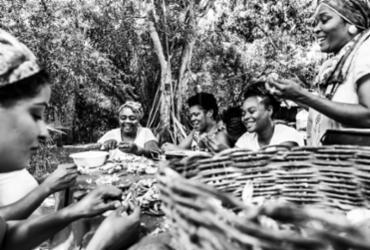 Dia Mundial da Fotografia: ensaio sobre o cotidiano das mulheres do Quilombo Kaonge