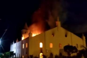 Exposição fotográfica visa resgatar história da igreja de Monte Santo