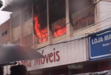 Incêndio atinge loja no centro de Cruz das Almas | Reprodução I Forte na Notícia
