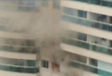 Incêndio atinge apartamento no Caminho das Árvores | Cidadão Repórter via WhatsApp