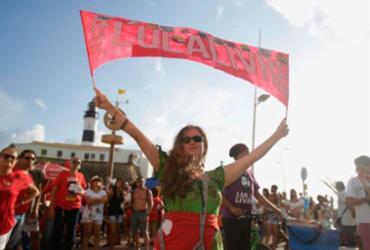 Festival Lula Livre reúne centenas de pessoas no Farol da Barra | Felipe Iruatã | Ag. A TARDE
