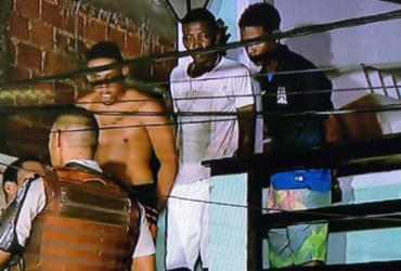 Suspeitos invadem casa e fazem reféns no bairro de Santa Cruz | Reprodução | Rede Record