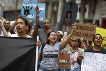 Grupo protesta em Salvador contra desmatamento da Amazônia | Raul Spinassé | Ag. A TARDE