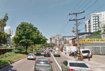 Semáforos apagados dificultam trânsito na região da Lucaia   Reprodução I Google Street View