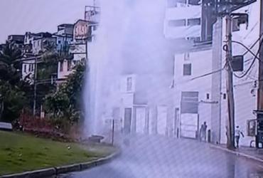 Cano rompe na Estrada da Rainha | Reprodução | TV Record