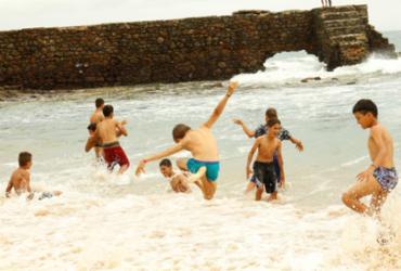 Estudantes da zona rural de Sento Sé vivem a emoção de conhecer o mar