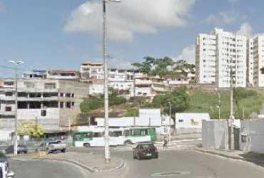 Ônibus quebrado causa retenção na avenida San Martin   Google Street View